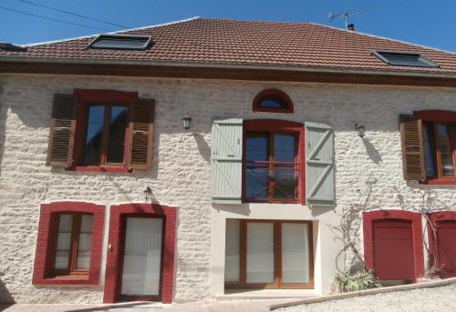 Gite entre sources et riviere : Apartment near Foucherans