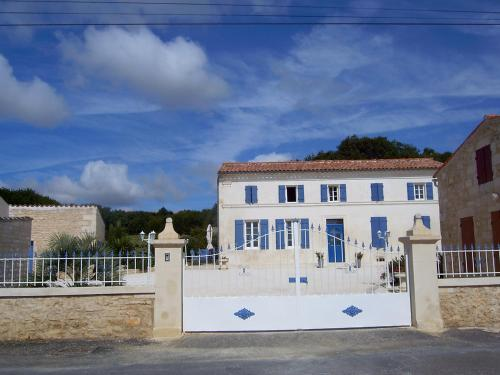 L'Oasis : Bed and Breakfast near Port-d'Envaux