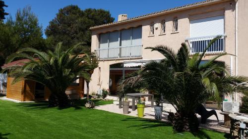 Appartement dans villa, spa & sauna : Guest accommodation near Sérignan