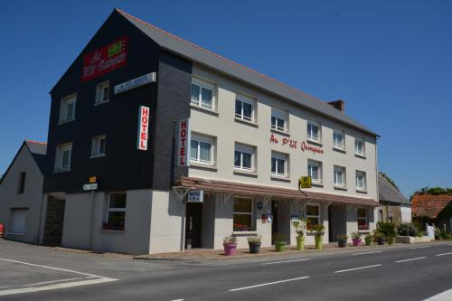 Au P'tit Quinquin : Hotel near Saint-Aubin-de-Terregatte
