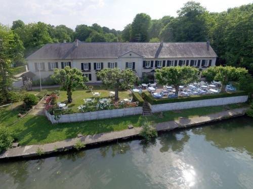 Hostellerie de Pavillon Saint-Hubert : Hotel near Bailleval
