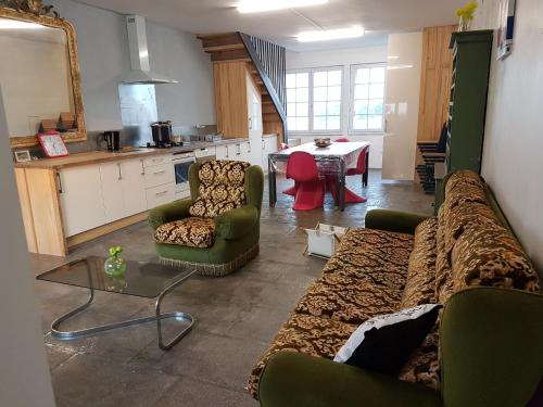 L'Atelier du Tailleur à 5 mn du Puy du Fou : Guest accommodation near Chambretaud