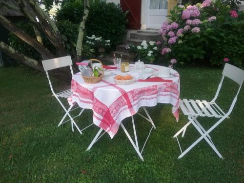 Halage - Saint-Emilion : Bed and Breakfast near Frontenac