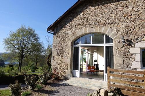 Gîte Fénil Dans Le Lot Avec Vue Panoramique : Guest accommodation near Sainte-Colombe