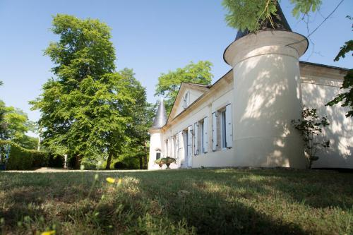 La demeure Bournac : Guest accommodation near Saint-Germain-d'Esteuil