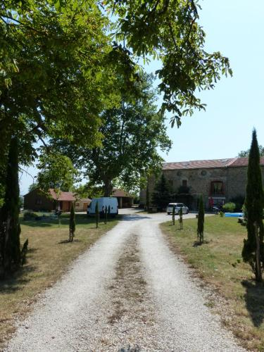 Le Clos de Ceintres : Guest accommodation near Saint-Romain-d'Ay