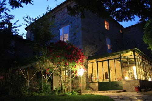 la maison des chartreux : Bed and Breakfast near Roche-en-Régnier