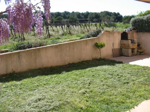 Chambre d'hôtes Les Vignes : Guest accommodation near Villeveyrac