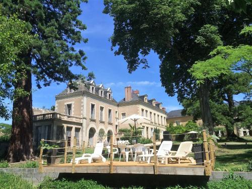 La Grande Maison : Bed and Breakfast near Ternay
