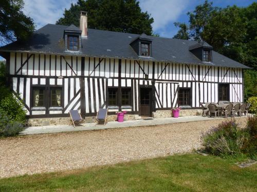 Le Domaine des Tostes : Guest accommodation near Saint-Benoît-d'Hébertot