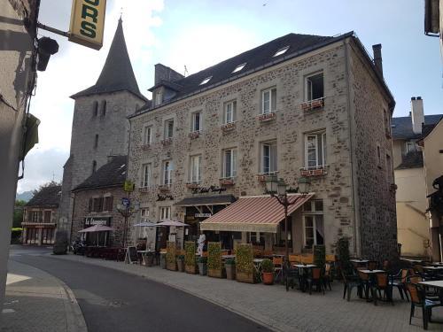Hotel Le Saint Georges : Hotel near Saint-Amandin