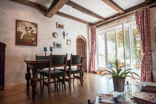 Domaine à Marmande : Bed and Breakfast near Mirande