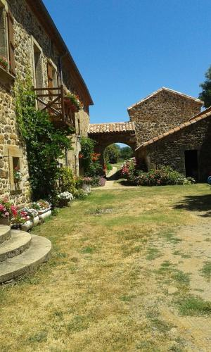 Gîtes de Lez : Guest accommodation near La Rouquette