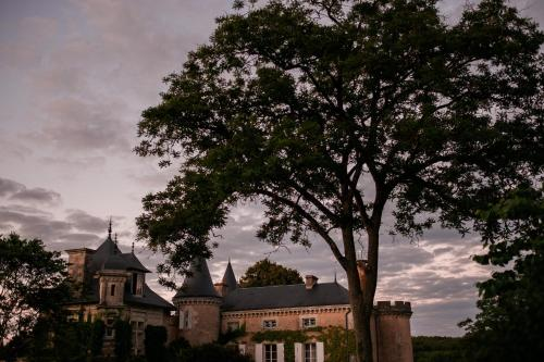 Saint Victor La Grand' Maison : Bed and Breakfast near Pindray
