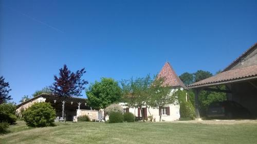 lembaudie : Bed and Breakfast near Aubeterre-sur-Dronne