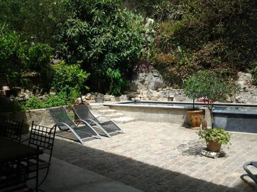 Aramon Holiday Home : Guest accommodation near Aramon
