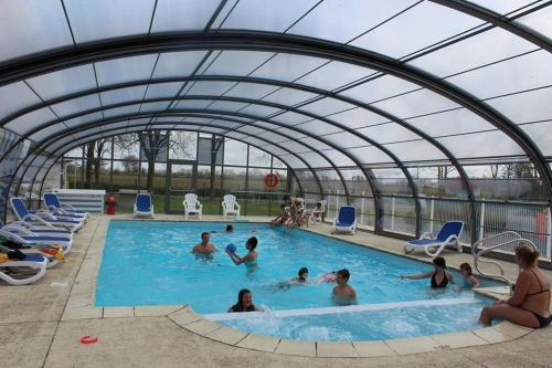 Camping le Clos de Balleroy : Guest accommodation near Saint-Paul-du-Vernay