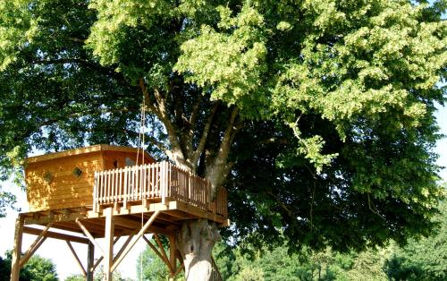 Les Cabanes de Gros Bois : Bed and Breakfast near Sainte-Eanne