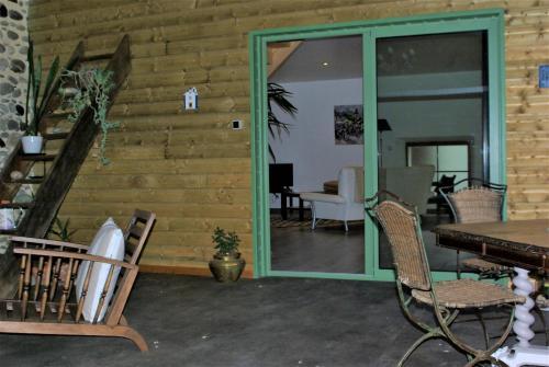 Le gite du Poisson Roy : Guest accommodation near Jasses
