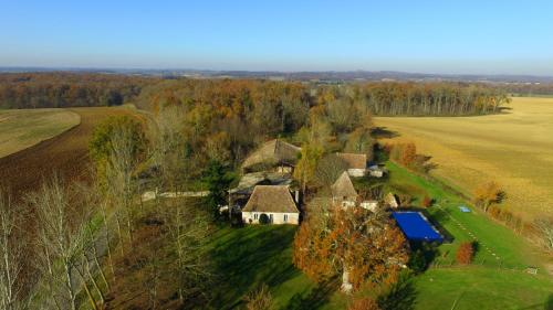 Domaine de la Fee verte : Guest accommodation near Rives