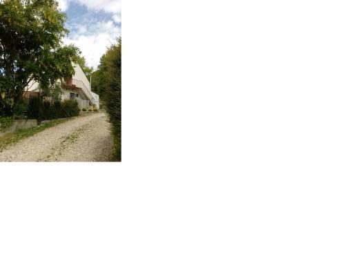 Les Sens des Bois - Les Grîves : Guest accommodation near Andres