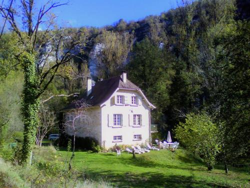 Villa Blanche I : Guest accommodation near Sauliac-sur-Célé