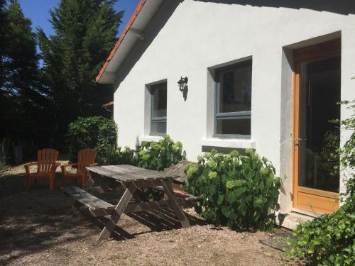Gite - Châtel-Montagne gite 5 : Guest accommodation near Nizerolles