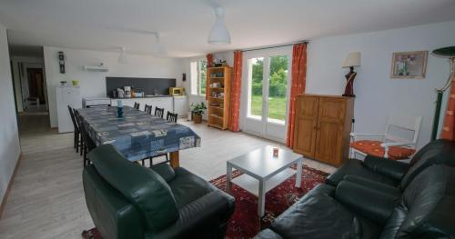 ecrin de fleurs et verdure : Guest accommodation near La Barre-de-Semilly