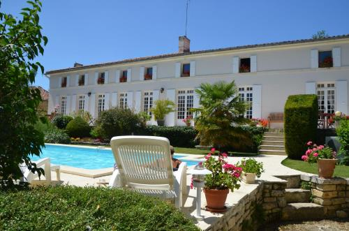 Au Moulin Brun : Guest accommodation near La Vergne