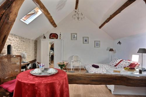 Le 5 : Bed and Breakfast near La Madeleine-sur-Loing