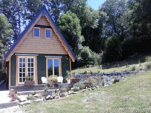WillowTree Cottage : Guest accommodation near Saint-Sauves-d'Auvergne