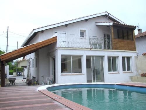 Villa Boulevard Paul Langevin : Guest accommodation near Lavalette