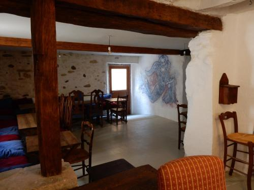 Cafe Vals : Bed and Breakfast near Limbrassac
