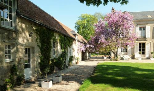 Le Grand Saint-Marc : Bed and Breakfast near Vendôme
