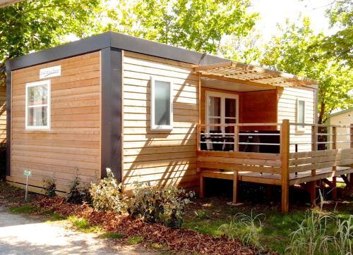 Camping Au Petit Port de L'Houmeau - La Rochelle : Guest accommodation near Lagord