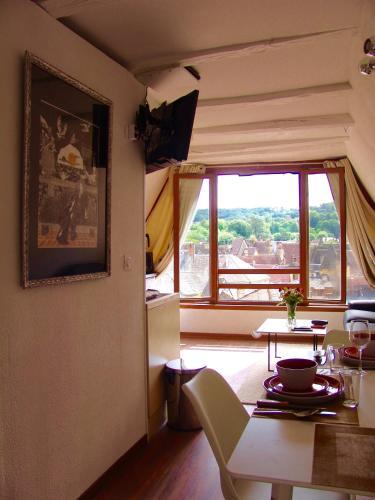 FRANRÉAL Appartements : Apartment near Saint-André-d'Allas