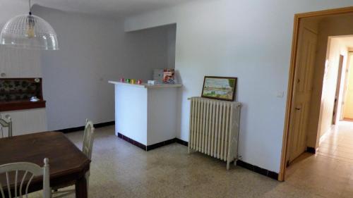 Le meublé sur les quais : Apartment near Fourques