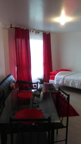 Appartements Sully : Apartment near Boinvilliers
