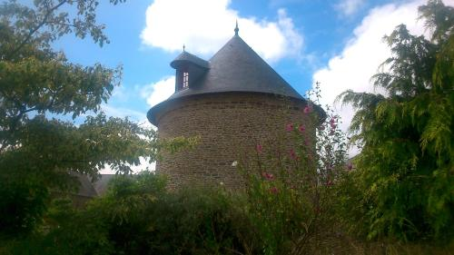 Gite Le Grand Manoir : Guest accommodation near Crollon