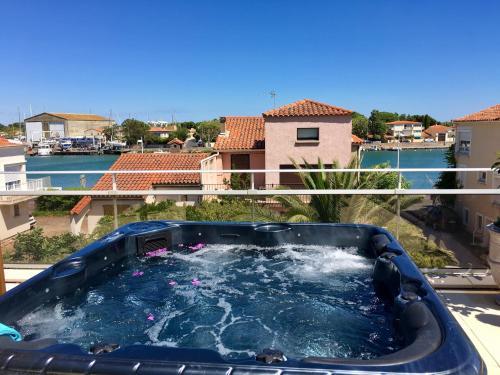 Villa L'Amiraute : Apartment near Vias