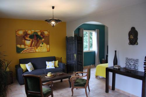 Les Jardins d'Holi Surya : Guest accommodation near Saint-Chaptes