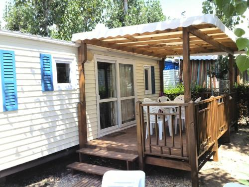 Les Sables du Midi Mobile Home : Guest accommodation near Sérignan