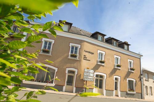 L'Ermitage Hotel & Restaurant : Hotel near Saulges