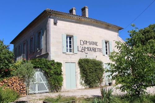 Domaine L'Amourette : Bed and Breakfast near Saint-Aubin-de-Branne
