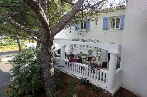 Le Sarac Hôtel : Hotel near Tressan