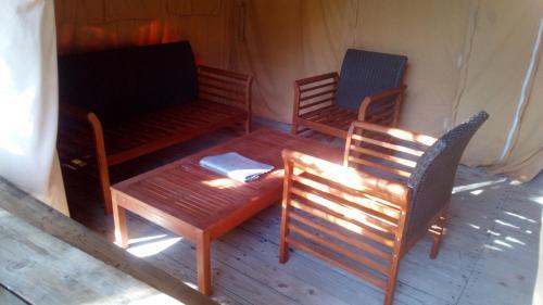 Domaine a la Source de Ganvie : Guest accommodation near Prunet