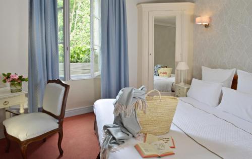 Citotel Hotel Le Plantagenet : Hotel near Chinon