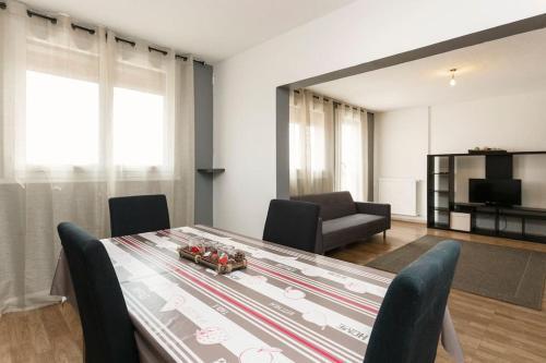 Apart 75m2 - 2 rooms - Parking : Apartment near Le Pontet