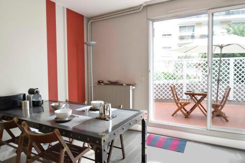 Parisian Home - Appartements Montparnasse : Apartment near Montrouge