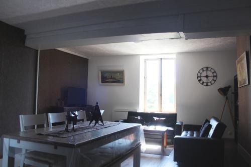 Gîte 2 du Château de Feschaux : Guest accommodation near Torpes
